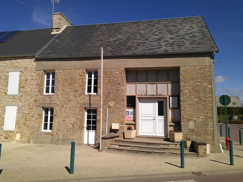 Fichier:Angoville-sur-Ay Mairie.jpg